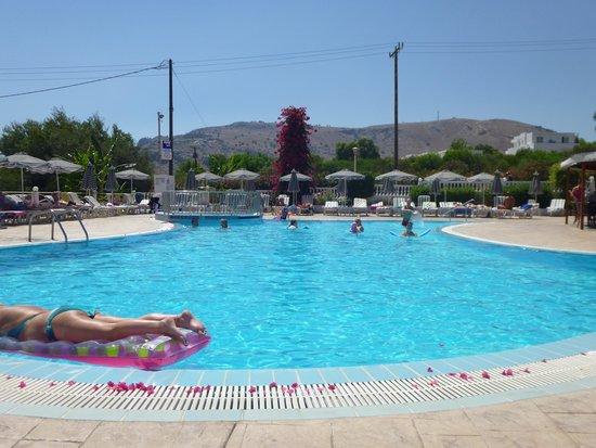 Cosmos Maris: Pool area