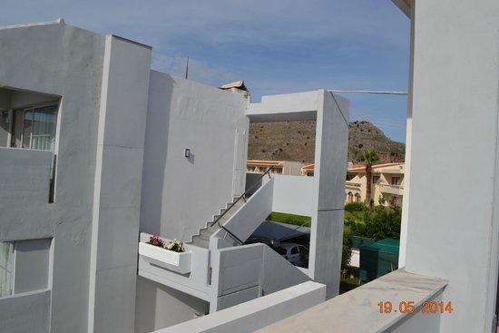 Kolymbia Bay Art Hotel: вид с балкона на горы