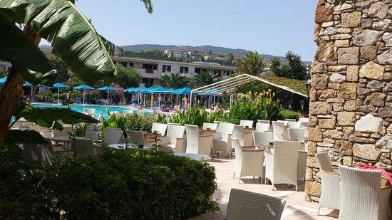 Mitsis Ramira Beach Hotel : Large pool