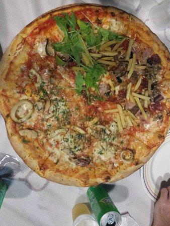 Hitchcock: pizza maxi
