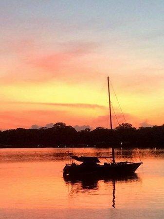 Bocas Inn: Boats at sunrise