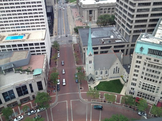 Colonel Eli Lilly Civil War Museum - Soldiers & Sailors Monument: A view from the top of the memorial
