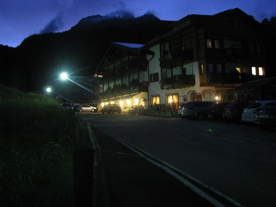 Hotel Gran Mugon: by night