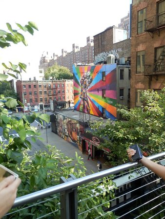 High Line: View from the walkway