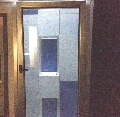 Sercotel Blue Coruña: Vista de la ventana de la habitación de enfrente