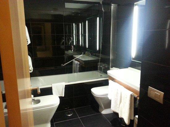 Sercotel Blue Coruña: Baño
