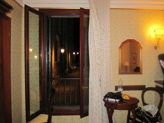 Hotel Galleria : window in room second floor