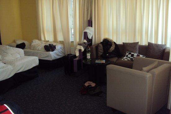 3 bett zimmer - bild von hotel domicil hamburg by golden tulip, Hause deko