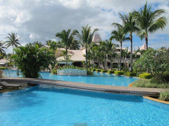 Sugar Beach Golf & Spa Resort : Pool area