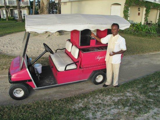 Sugar Beach Golf & Spa Resort : Our wonderful beach wobbly trolley man... Gin and Tonic