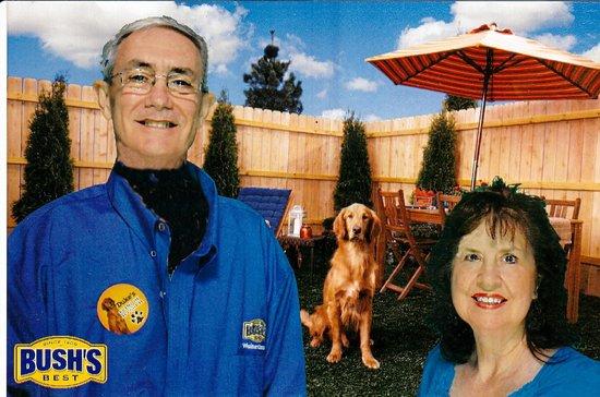 Bush's Beans Visitor Center : Photo with Duke