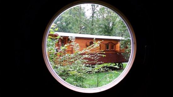 Les Roulottes de Bois le Roi: lovely gypsy caravans