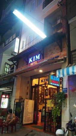 Kim Hotel: Entrada