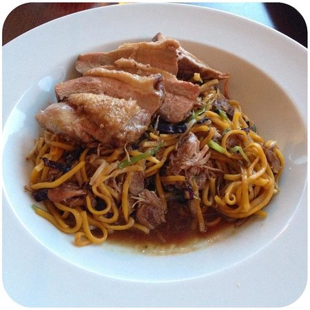 Pedn Olva Hotel: Main Meal - Duck with Noodles