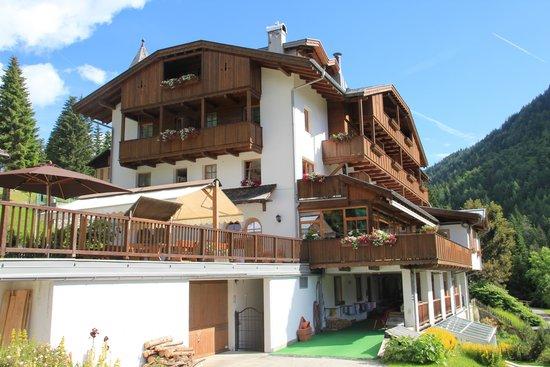 Bio Hotel Hermitage: La facciata dell'hotel