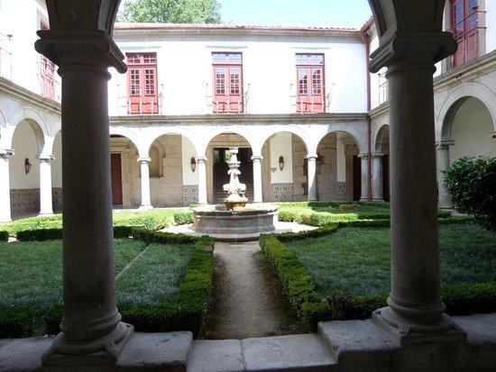 Pousada Mosteiro Guimarães: Jardin