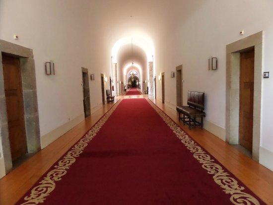 Pousada De Guimaraes Santa Marinha: couloir
