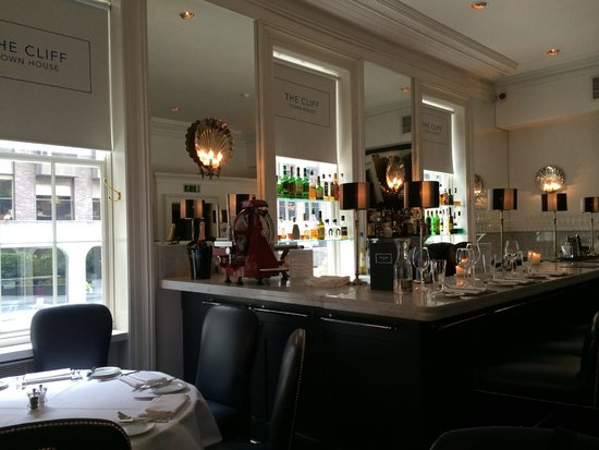 The Cliff Townhouse : The Cliff House Restaurant Bar