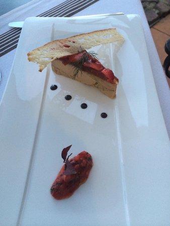 Auberge Ostape: restaurant : mention spéciale pour le foie gras mi-cuit et sa compotée de fraises au gingembre