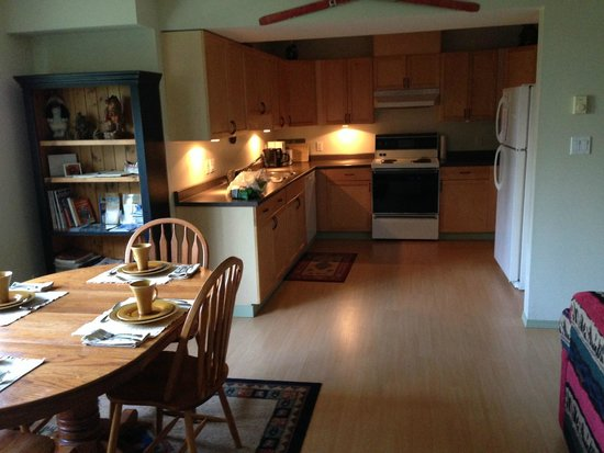 True North B&B: kitchen