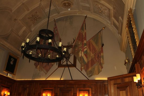 Ackergill Tower: Chandaliers & Flags Whilst Dining