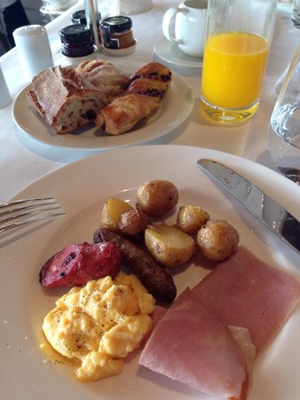 Hotel Grande Bretagne, A Luxury Collection Hotel: 朝食