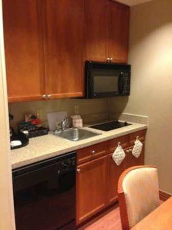 Homewood Suites by Hilton Irving - DFW Airport: The kitchen