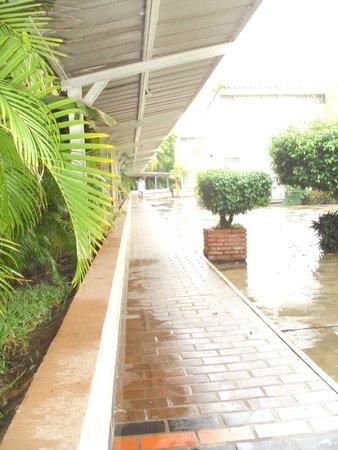 Hosteria El Morro: Caminaría, área del estacionamiento