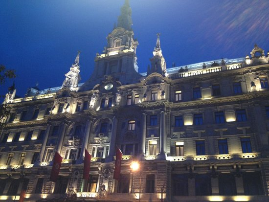 Boscolo Budapest, Autograph Collection: This really is an actual picture that we took of our hotel!!!