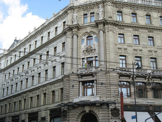 Boscolo Budapest, Autograph Collection: I am standing on our balcony and waving!!!