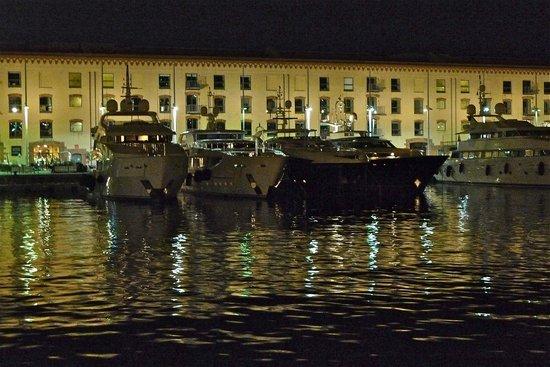 Old Port : Ночь в старом порту - 5