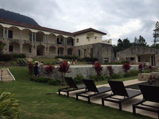 Los Mandarinos Boutique Spa & Hotel Restaurant : Área de la piscina