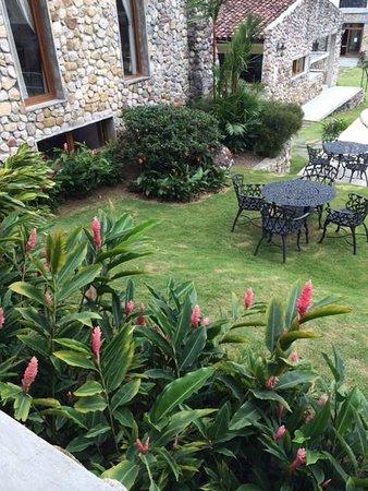 Los Mandarinos Boutique Spa & Hotel Restaurant: Áreas verdes