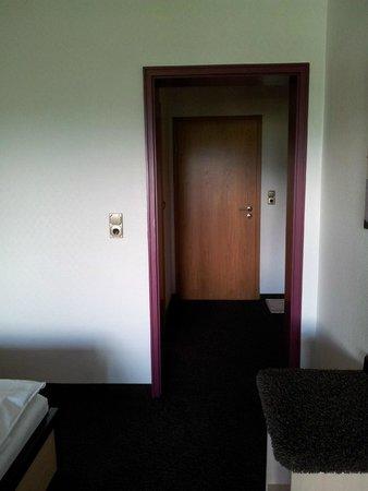 Wald Hotel Willingen: Gangetje kamer