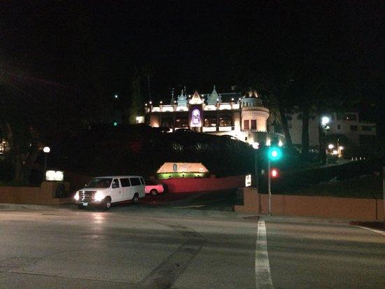 Magic Castle Hotel: Hotel