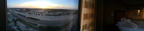 Hyatt Regency North Dallas/Richardson: Vue de la chambre