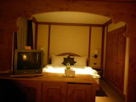 Adula Hotel: Our room