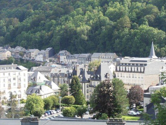 blick in den kurort picture of hotel le panorama le mont dore tripadvisor