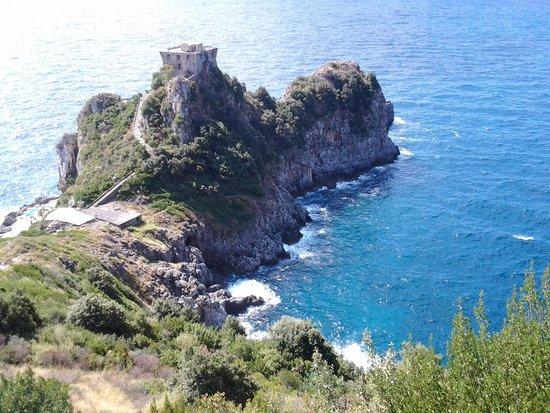 Hotel Amalfi : castello nel mare
