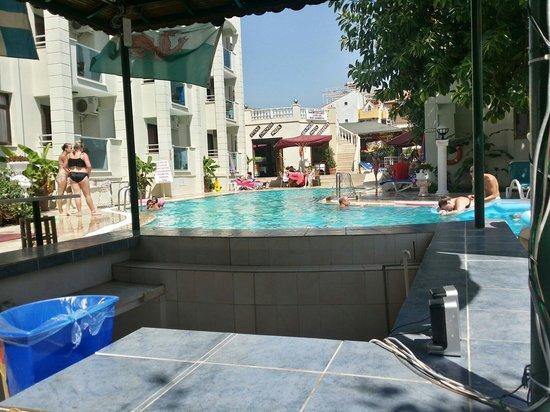 Club Evin Marmaris: Cool in the shade