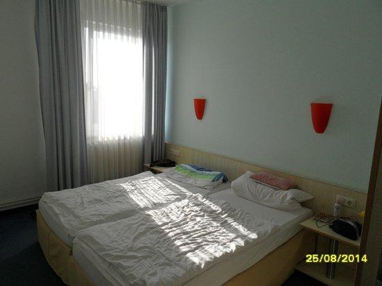 enjoy hotel Berlin City Messe: Doppelzimmer klein