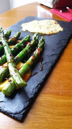 Tapa: Esparragos: Char Grilled Asparagus Spears with an Idiazabal (Smoked Sheep Cheese) Crisp