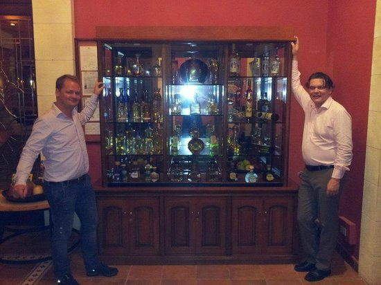Hacienda Sisal : Me and my mate would like to own this cupboard tequilas included