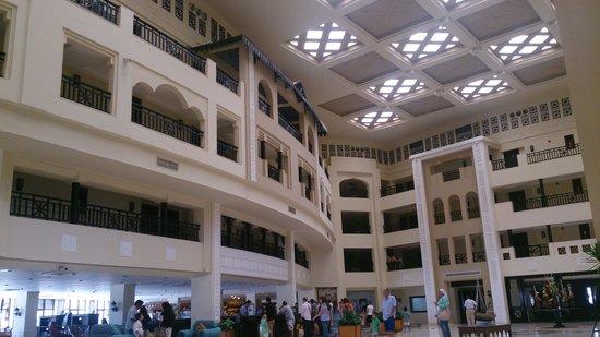 Steigenberger Al Dau Beach Hotel: The Lobby area