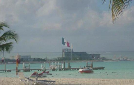 Beachscape Kin Ha Villas & Suites : Vista desde la playa del hotel