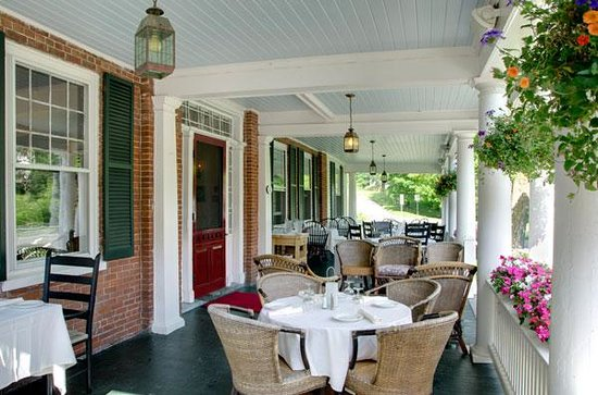 Kedron Valley Inn: Al Fresco Porch Dining