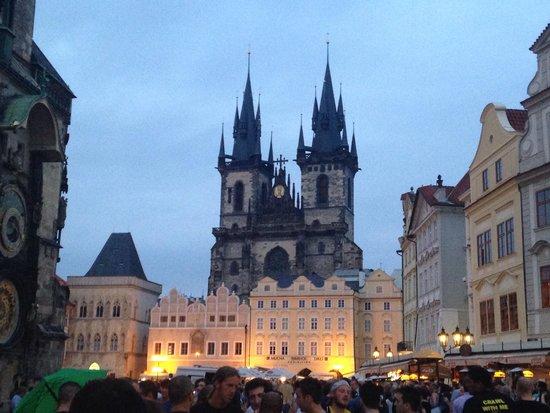 Olsanka: Old town square at dusk.