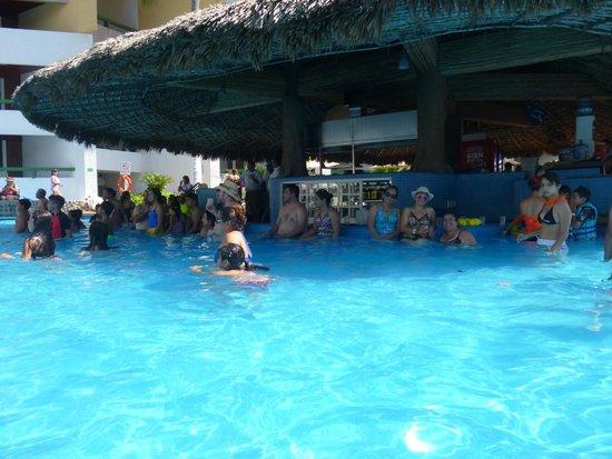 El Cid El Moro Beach Hotel: Bar de Alberca