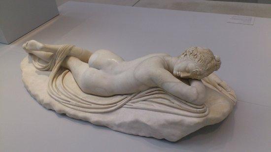 Lens, Frankrike: Hermaphrodite