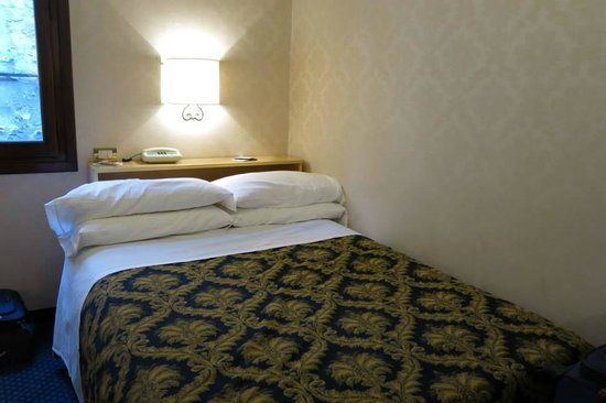 Hotel Ala - Historical Places of Italy: Habitación